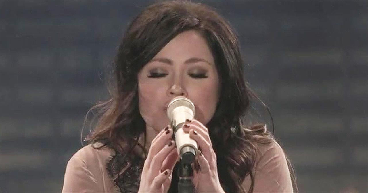 'Lord Over All' – Beautiful Kari Jobe Hit Sings Praises To His Name