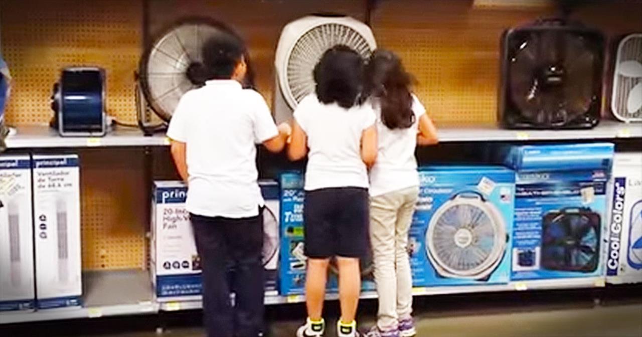Kids Use Fans To Sing National Anthem In Walmart