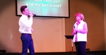 Scotty McCreery Sings Heartwarming Duet With Mom At Church