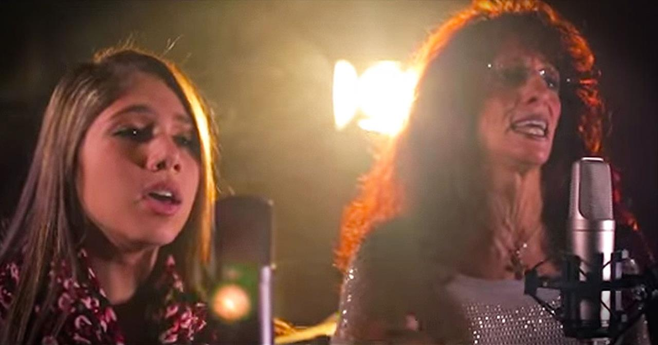 Mother And Daughter Sing STUNNING Duet Of 'Tell Him'