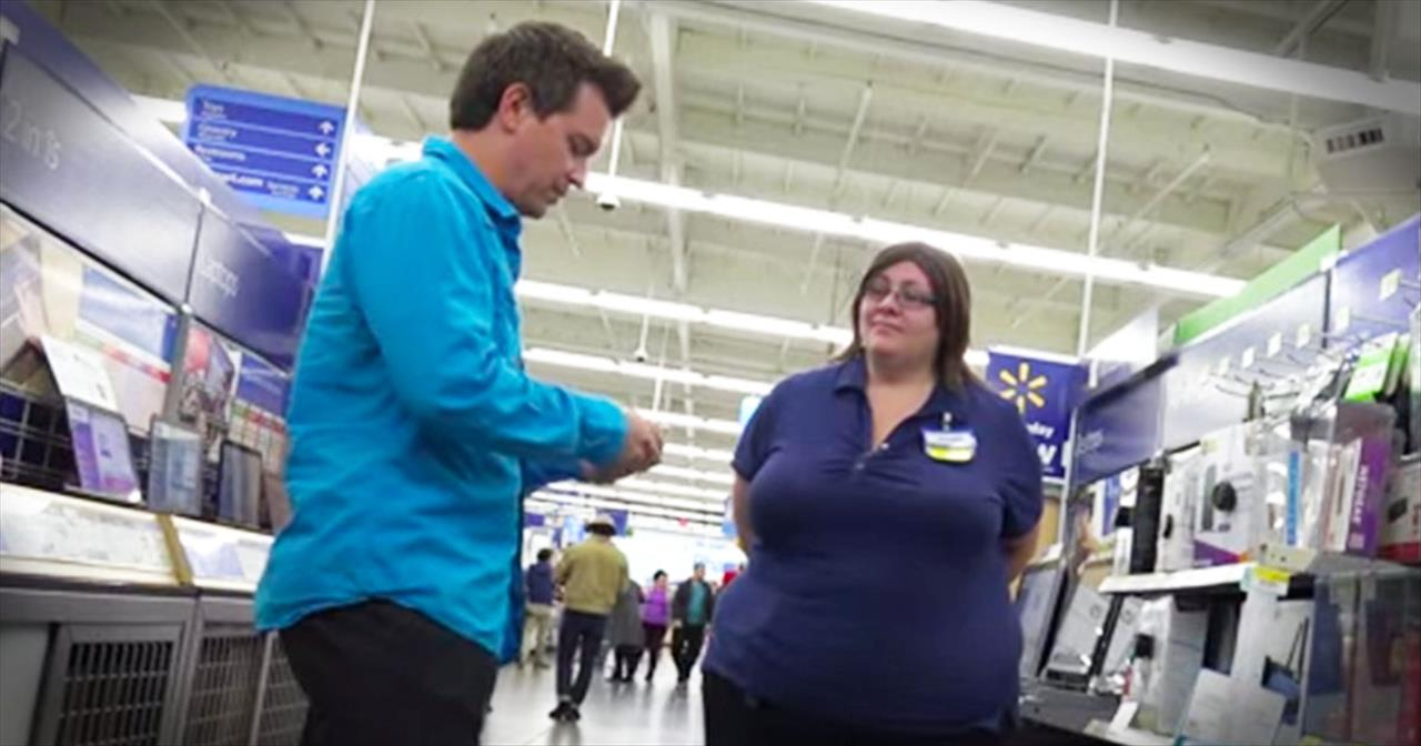 Hidden Camera Shows Extraordinary Customer Service At Wal-Mart