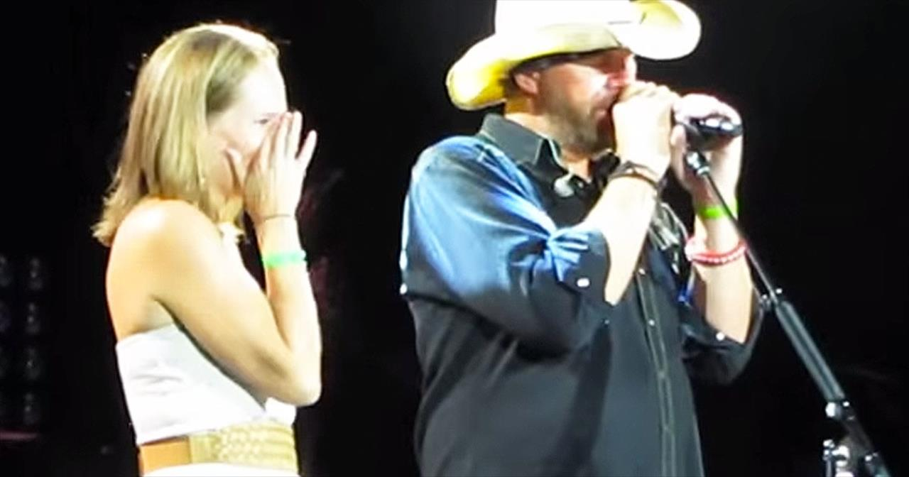 Toby Keith Helps Reunite Woman With Military Husband