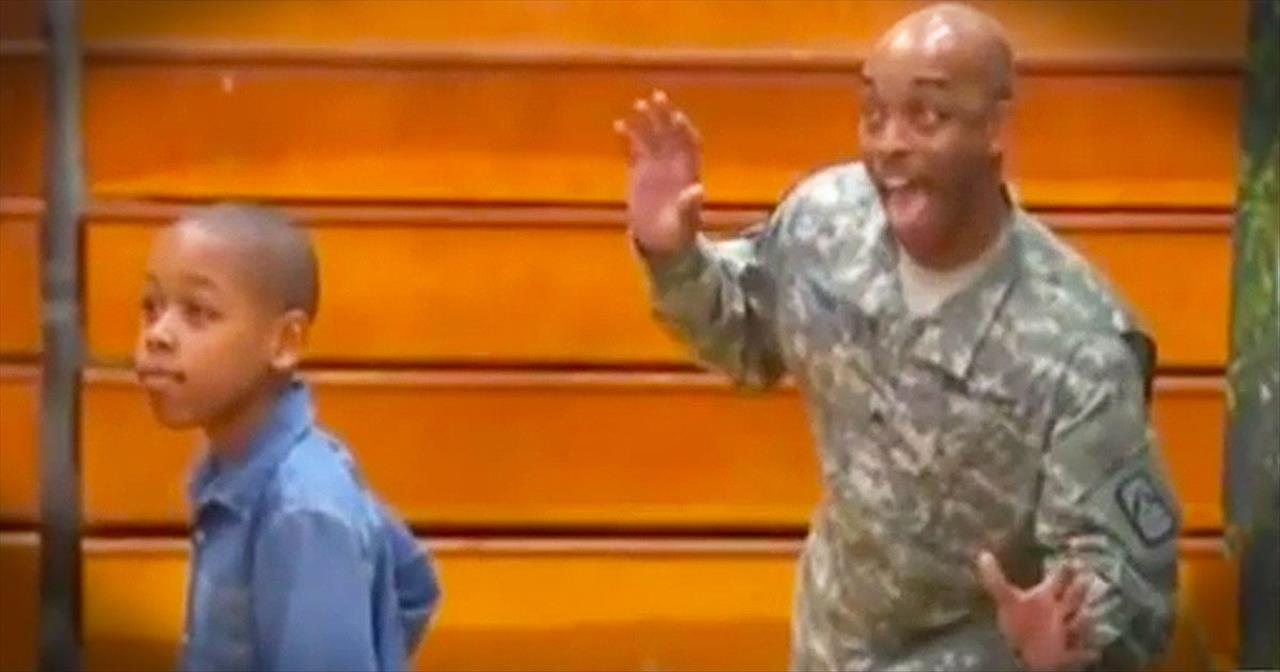 Soldier Returns Home And Photobombs Son's School Picture