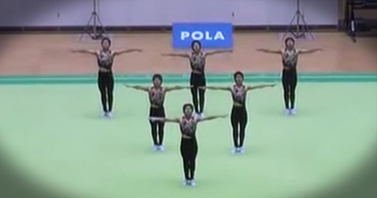 6 Male Dancers Perform Amazing Synchronized Dance