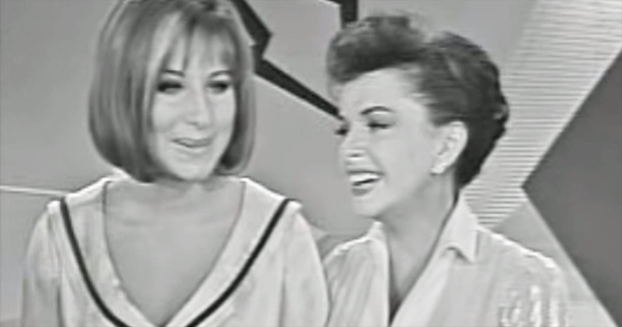 Judy Garland And Barbara Streisand Sing Beautiful Duet Of 'Get Happy'