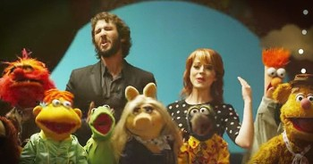 Josh Groban, Lindsay Stirling And The Muppets Sing 'Pure Imagination'