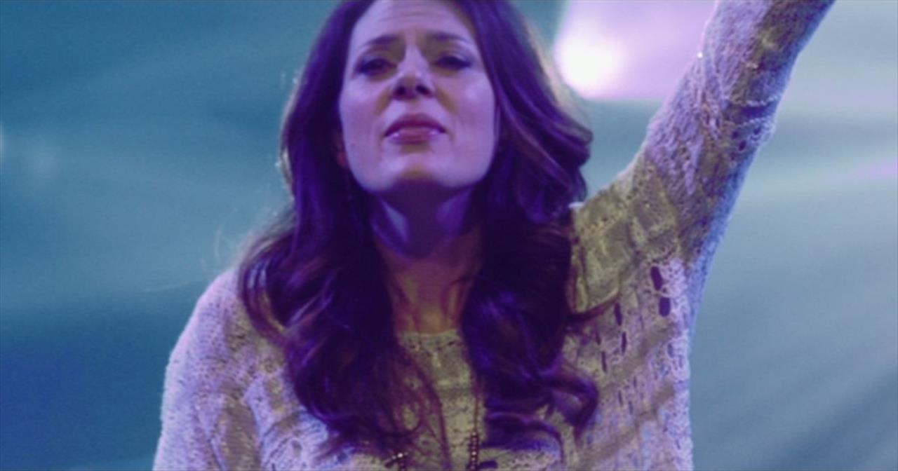 'Let It Be Jesus' – Soul-Filled Christy Nockels Performance Live From Passion