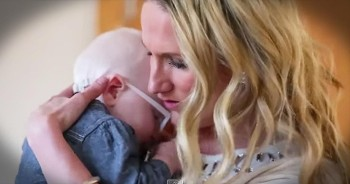 Mother Sings 'Amazing Grace' Like You've Never Heard Before. So Many Chills!