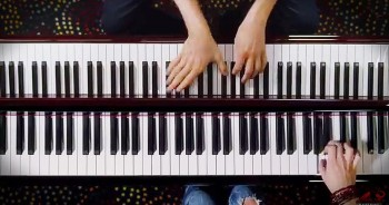 2 Dueling Piano Players Will Leave Your Jaw On The Floor