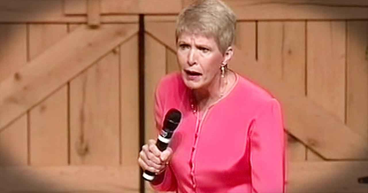 Jeanne Robertson Will Have You LOLing With A Story About Her Dad On An Elevator