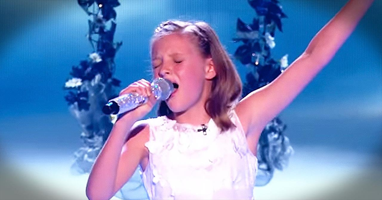 Little Girl Shows BIG Vocals With Passionate Performance Of 'Reflection'