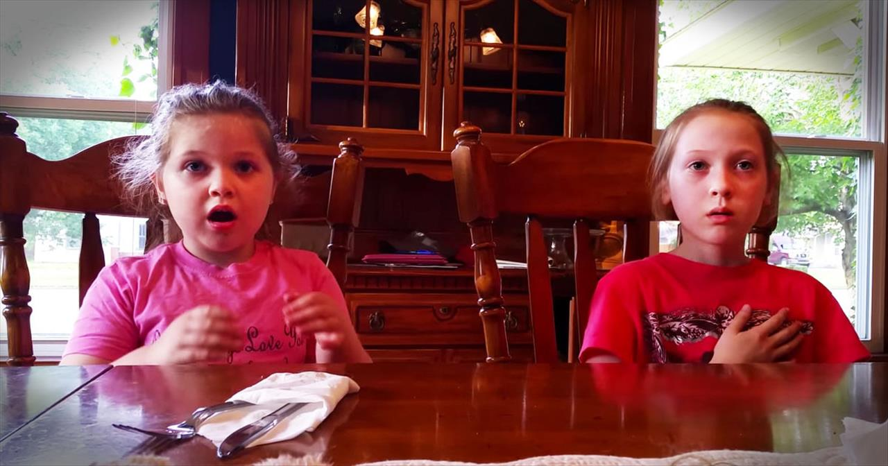 2 Sisters Have The SWEETEST Reaction Why They Learn Mom Is Pregnant