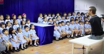 Nick Vujicic And Children's Choir Sing Worship Song