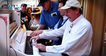 5 Hands Play Amazing Piano Medley