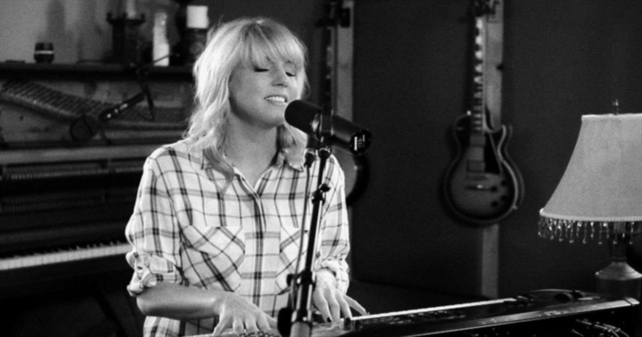 'Legacy' – Beautiful Acoustic Performance From Nichole Nordeman