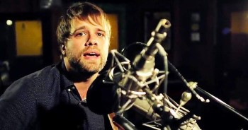 'No More' – Amazing Acoustic Performance From Josh Wilson