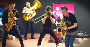 Talented Subway Performance Will Leave You STUNNED