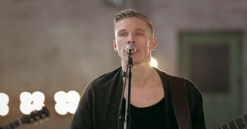 'The One We Love' - Beautiful Worship from Derek Johnson