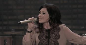 Kari Jobe - Breathe On Us (Live)