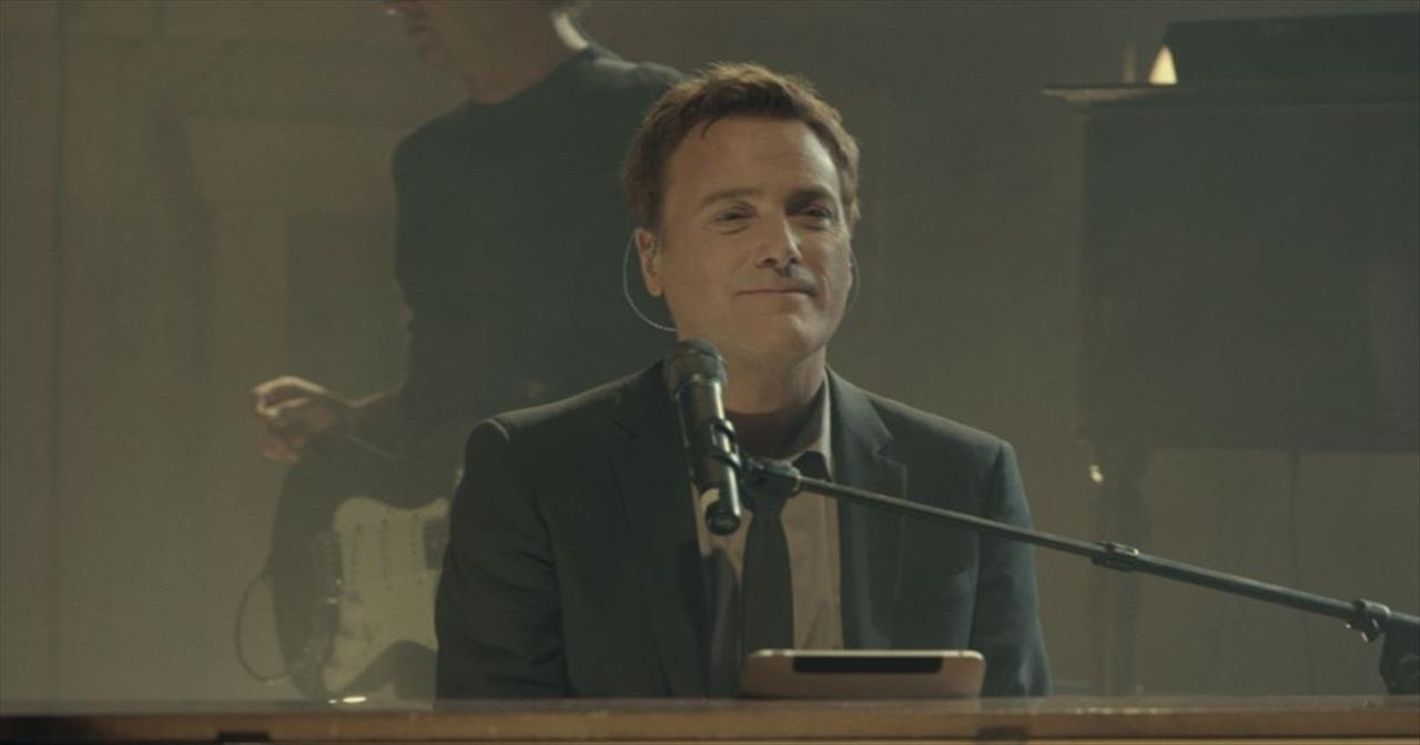Michael W. Smith (Featuring Leeland Mooring) - Christ Be All Around Me (Live)