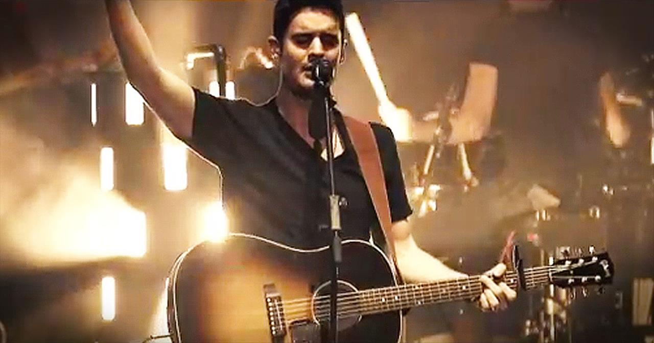 'My Heart Is Yours' – Kristian Stanfill Sings Live From Passion