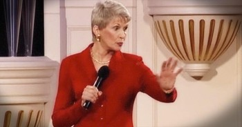Jeanne Robertson Says Men Think About Women Every 5.3 Seconds. I'm CRACKING Up!