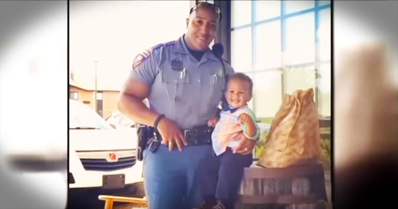 Man Gives Trooper A Bracelet Of Protection After Receiving Speeding Ticket