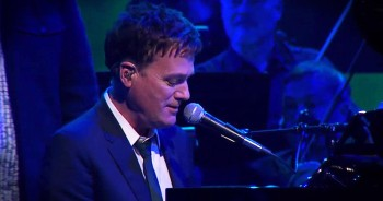 'Friends' – Michael W. Smith And Christian Artists Perform Live