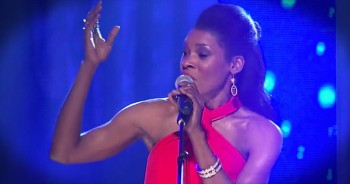 'Redeemer' – Nicole C. Mullens Performs This Favorite LIVE!