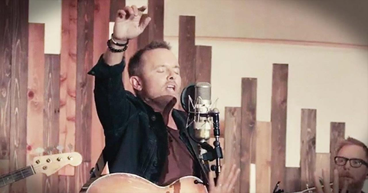 'He Shall Reign Forevermore' – Live Chris Tomlin Performance
