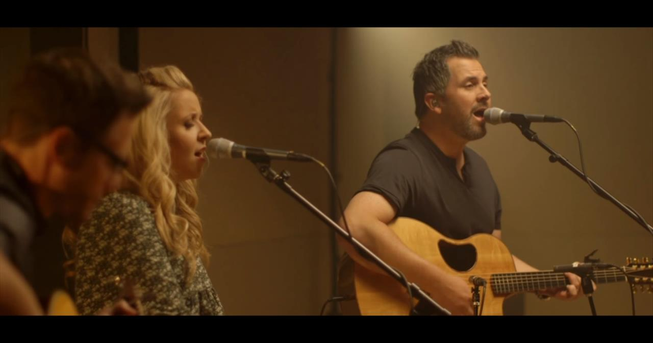 Gateway Worship - Grace that Won't Let Go (Acoustic Performance)