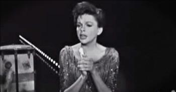 Judy Garland Sings 'Battle Hymn Of The Republic' To Honor Fallen President