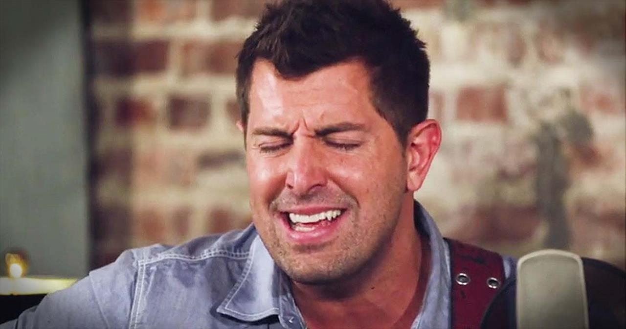 'Same Power' – Acoustic Performance From Jeremy Camp