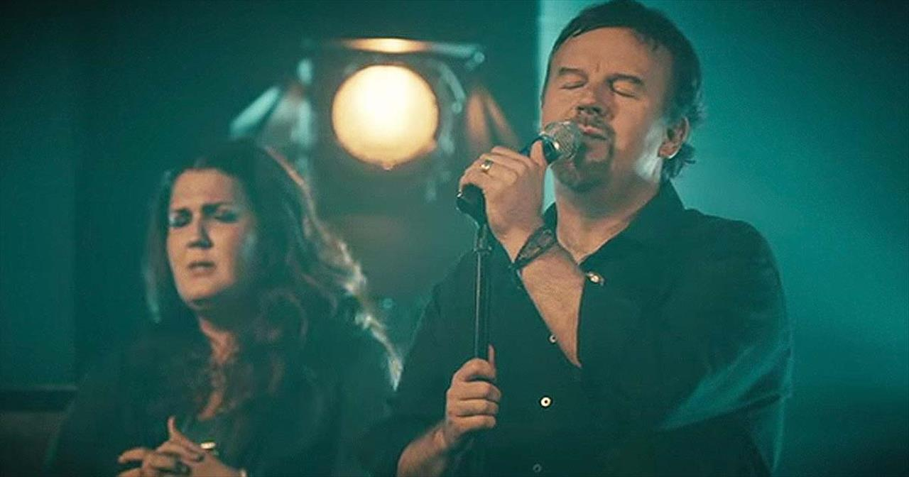 'Here's My Heart' – Live Performance From Casting Crowns