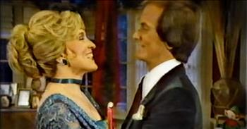 Pat Boone And Family Sing Beautiful Christmas Medley