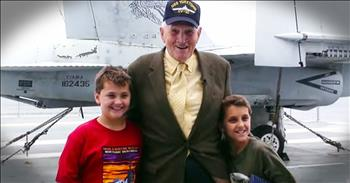Twin Boys Heartfelt Reunion With Beloved Veteran Sailor