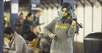 Violinist Lindsey Stirling Disguises Herself To Play 'Hallelujah' In Subway