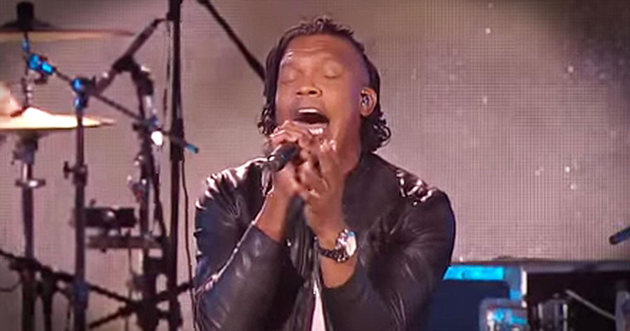 'God's Not Dead' – Live Newsboys Performance From Dove Awards