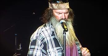 Duck Dynasty's Phil Says A Prayer For Our Nation