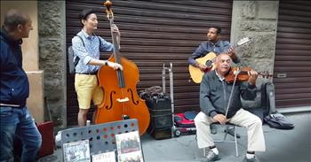 Tourist Joins Street Musicians For Incredible Performance