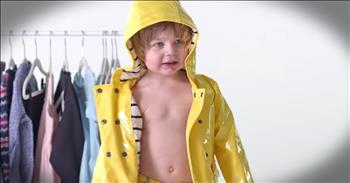 Children Dress Themselves For The First Time - LOL!