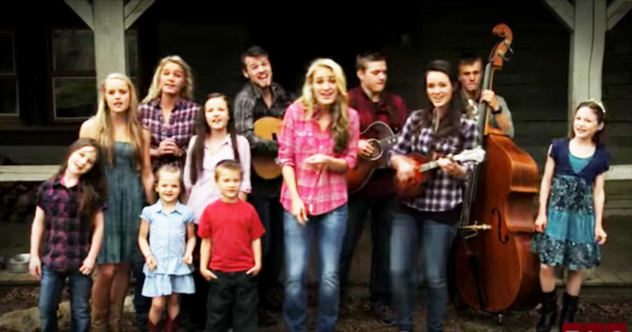 12 Christian Siblings' Top-Tapping Performance Of '100 Times Better'