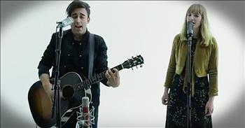 Acoustic Performance Of 'The Secret Place' From Phil Wickham