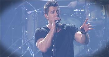 'He Knows' - Passionate Live Performance From Jeremy Camp