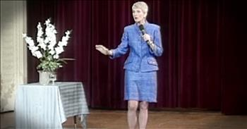 Jeanne Robertson Recalls Hilarious Interaction At Airport