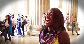 Shy Tourist Stuns With The National Anthem In Front Of Lincoln Memorial
