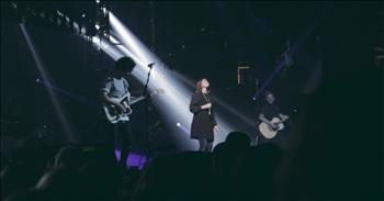 Inspiring Performance of 'Alive In You' by Jesus Culture and Kim Walker-Smith