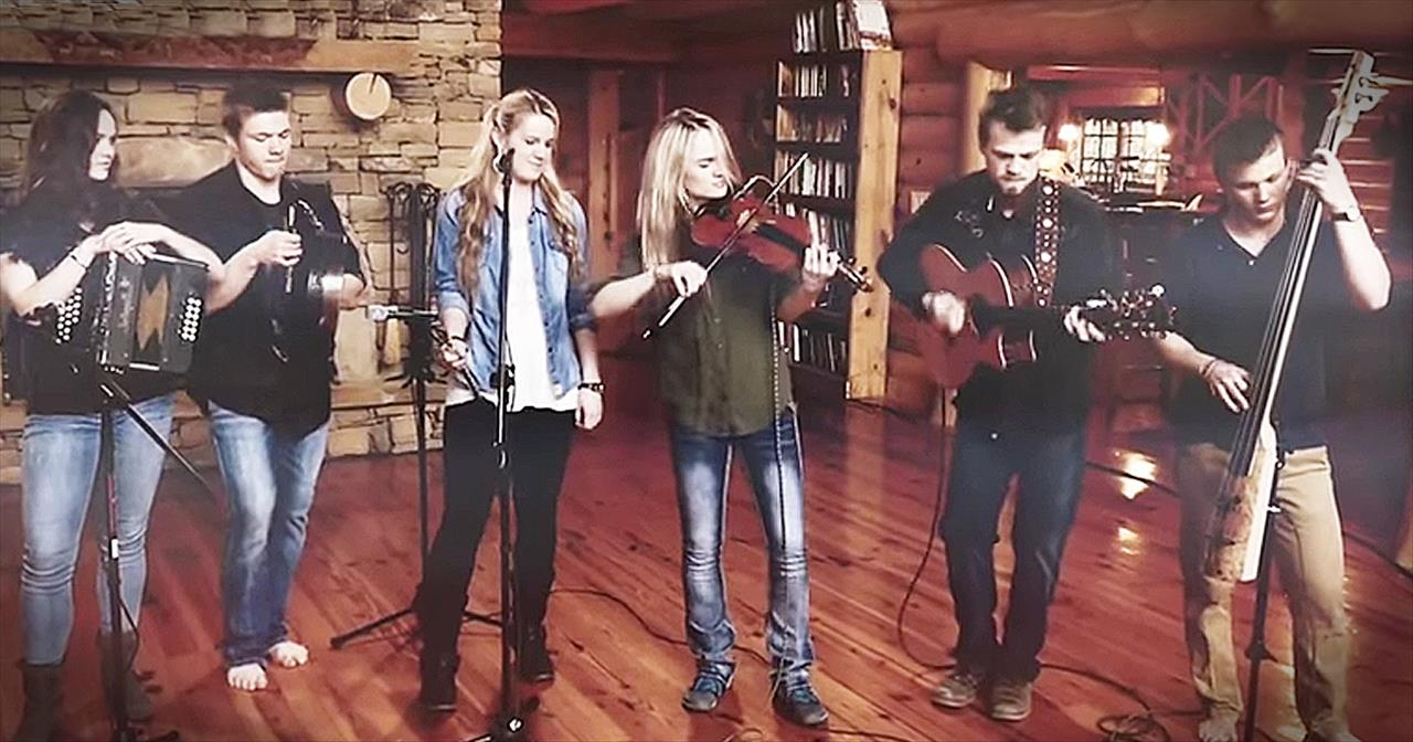 Musical Family Of 14 Shares How They're Reaching The World Through God