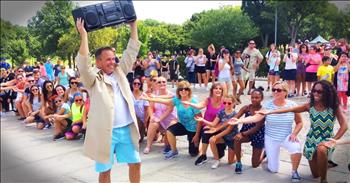 Flash Mob In Washington Turns Into An Adorable Proposal