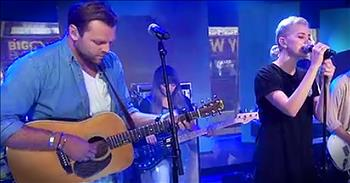 Hillsong United Performs 'Oceans' on the Today Show
